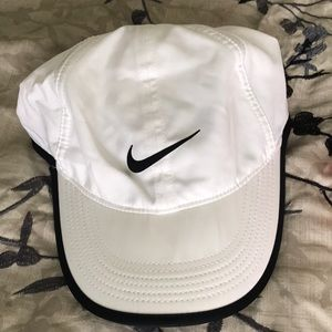 Nike Dri-Fit featherlight hat